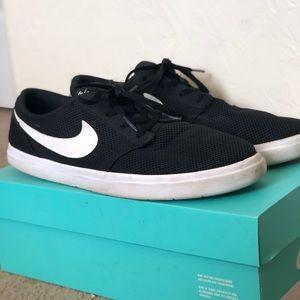 Nike's Men's Shoes